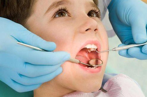 ویزیت جهت ترمیم دندان شیری
